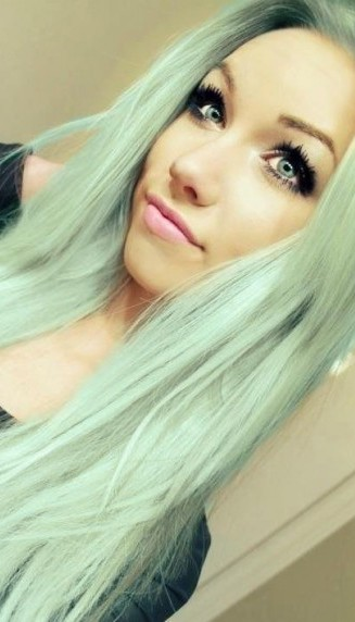 xMint-Green-Hair-Color-e1410284189474.jpg.pagespeed.ic.8cU7gxLDP0